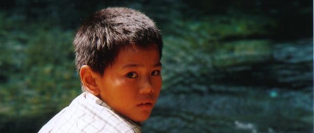 「回眸」 ~ 攝於麗江古城‧麗江‧雲南‧中國 ~ 2001.7 ~ Canon EOS5